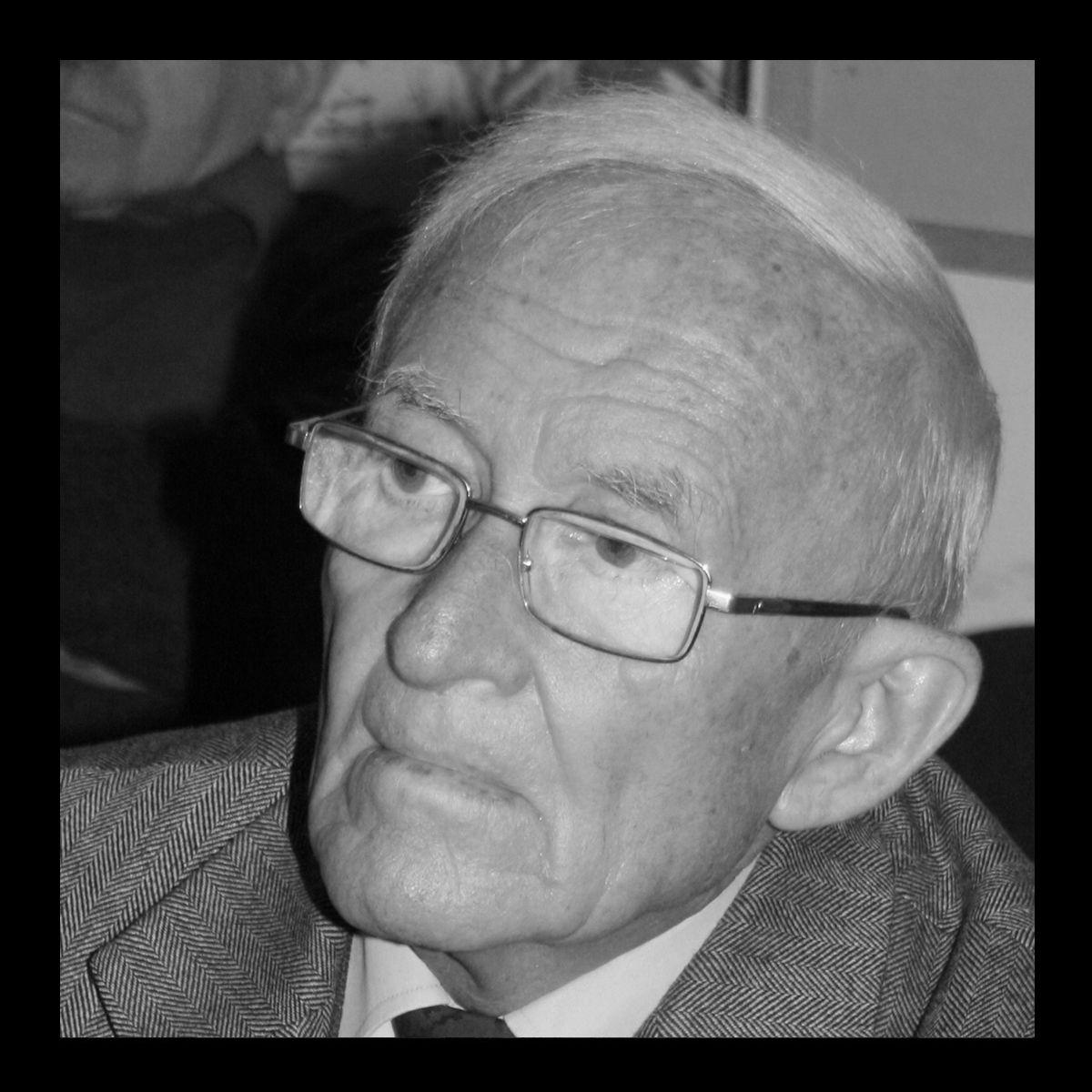 Elhunyt Almási István népzenekutató, Társaságunk alapító tagja